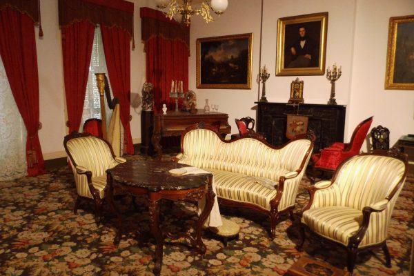 museum-1248330_1920